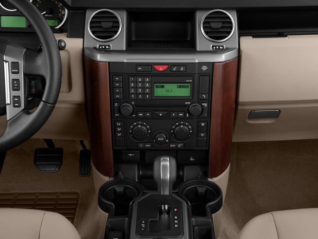 Image: 2009 Land Rover LR3 4WD 4-door V8 Instrument Panel ...