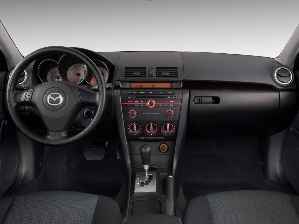 Image: 2009 Mazda MAZDA3 4-door Sedan Auto i Touring Value Dashboard