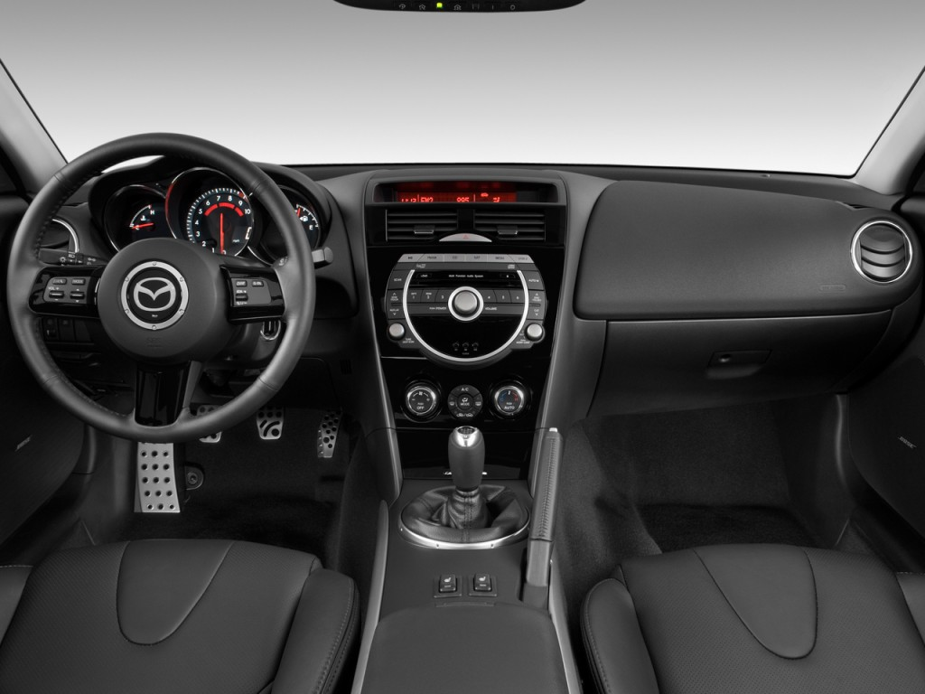 https://images.hgmsites.net/lrg/2009-mazda-rx-8-4-door-coupe-man-grand-touring-dashboard_100244078_l.jpg