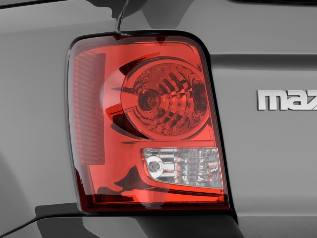 Image: 2009 Mazda Tribute FWD I4 Hybrid Touring Tail Light ...