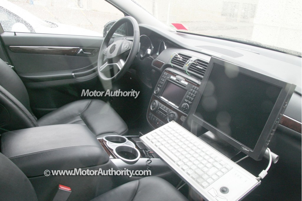 2009 mercedes r class facelift spy shots 004