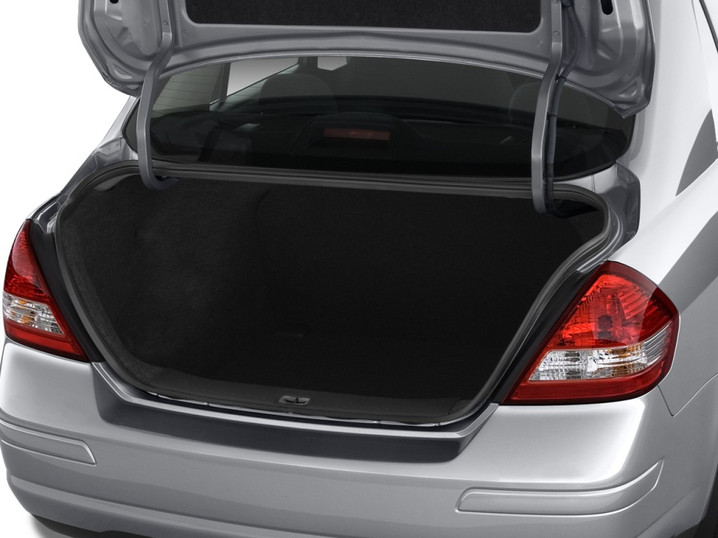 Nissan Versa Door Sedan Auto S Trunk L