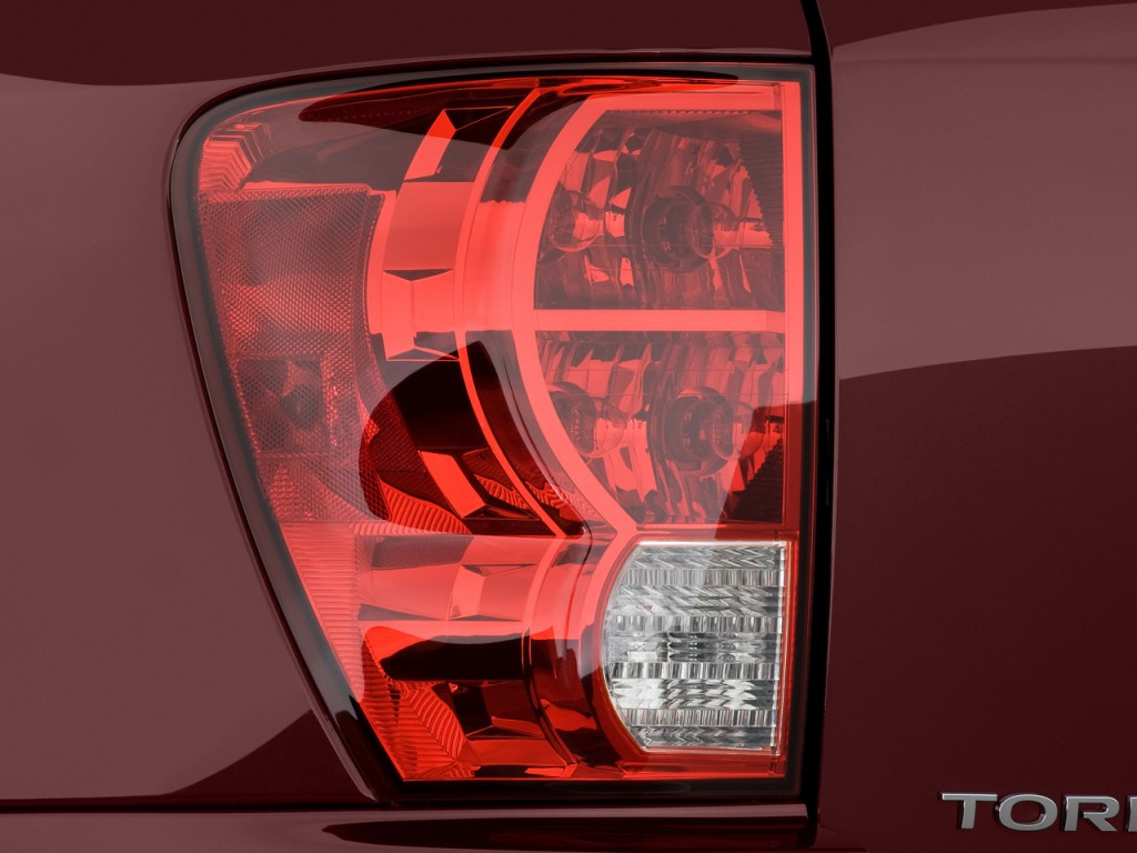 Image 2009 Pontiac Torrent Fwd 4 Door Gxp Tail Light Size 1024 X 768 Type Gif Posted On