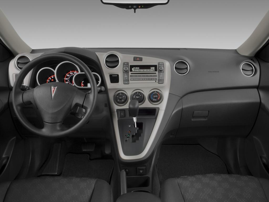 Image 2009 Pontiac Vibe 4 Door Hb Fwd W 1sa Dashboard