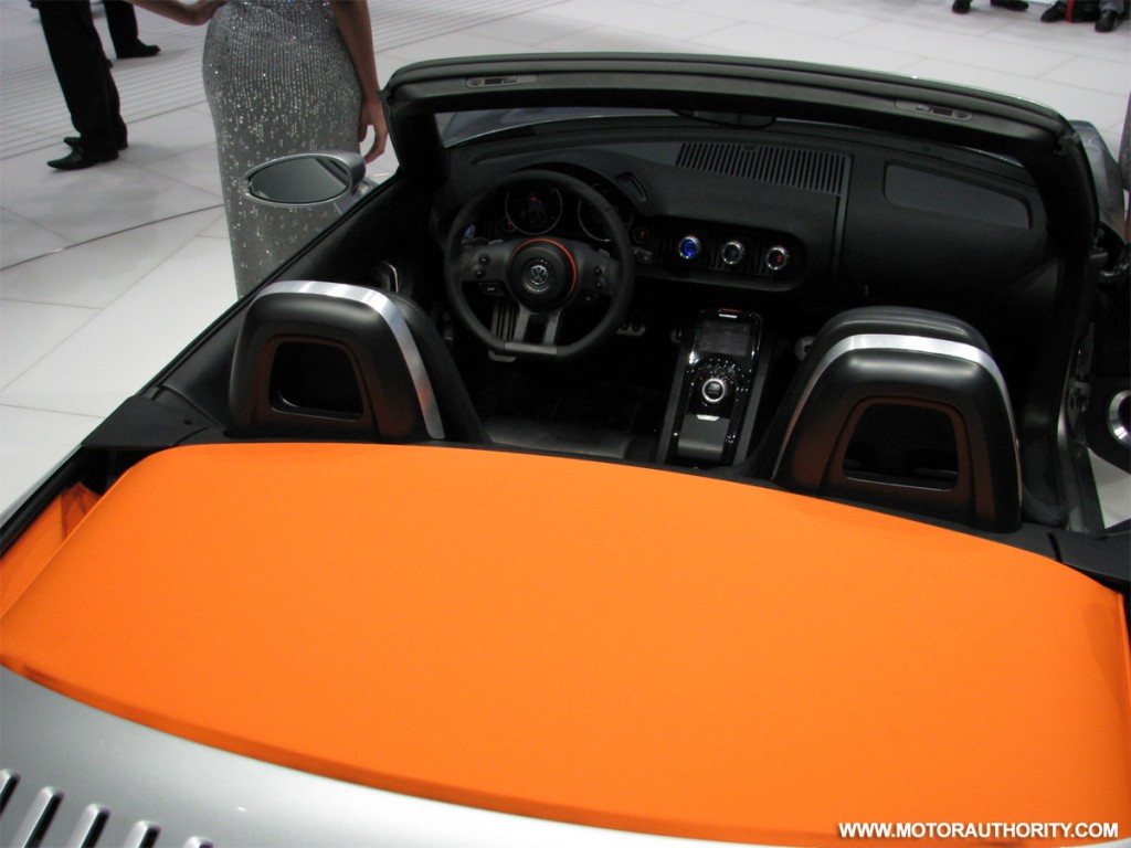 2009 volkswagen bluesport roadster concept live 07
