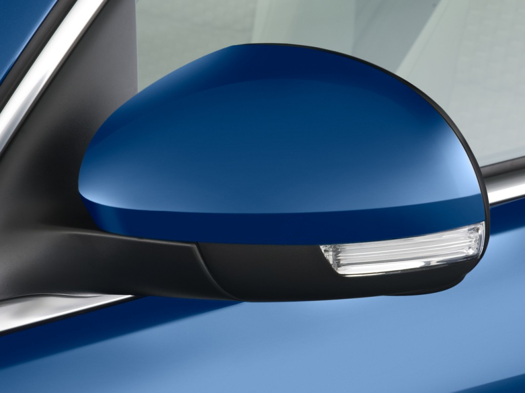 2009 Volkswagen Tiguan FWD 4-door SE Mirror