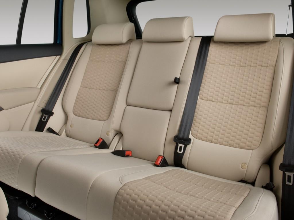 2009 Volkswagen Tiguan FWD 4-door SE Rear Seats