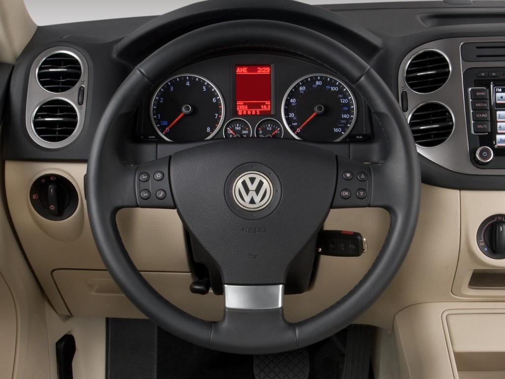 2009 Volkswagen Tiguan FWD 4-door SE Steering Wheel