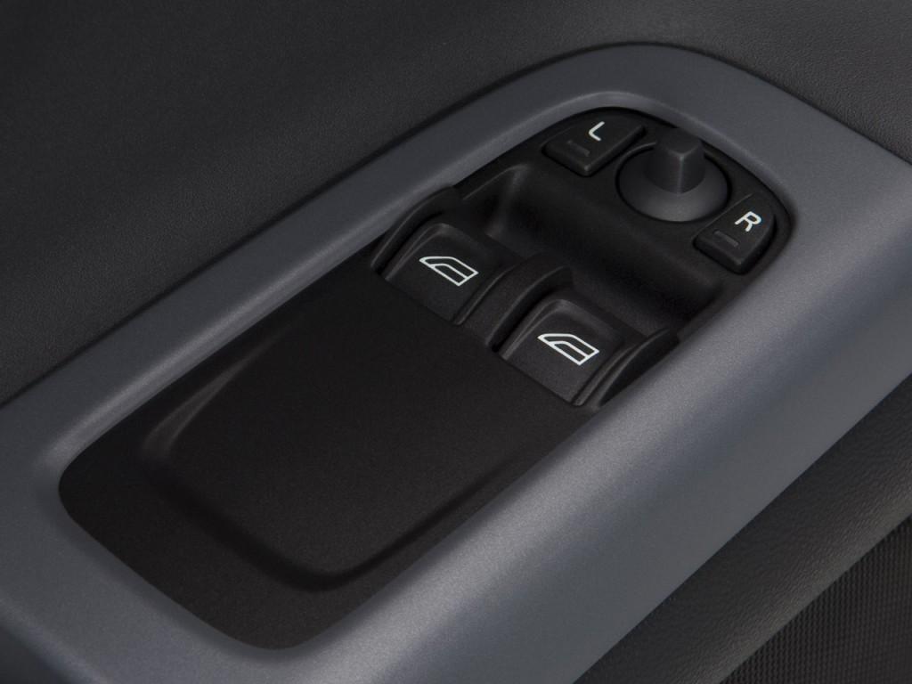 Image 2009 volvo c30 2 door coupe man r design door for Man door design