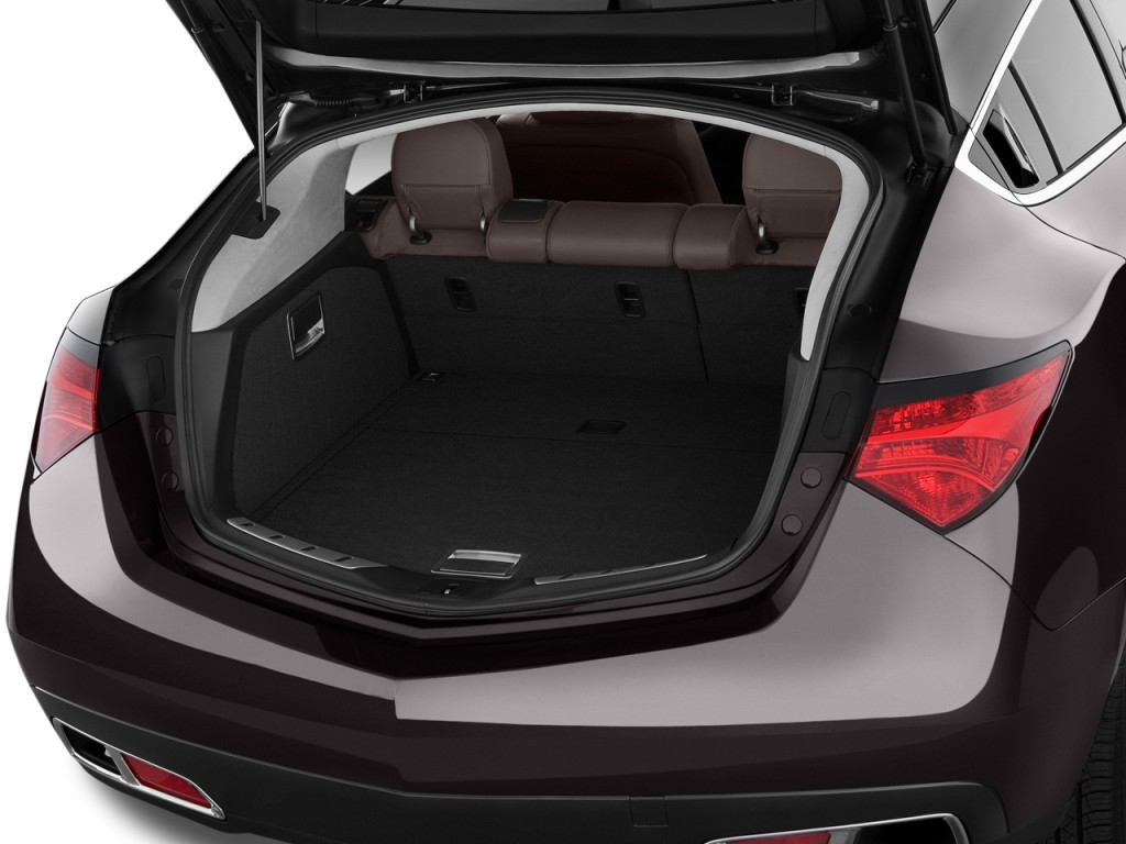 2010 Acura ZDX AWD 4-door Advance Pkg Trunk