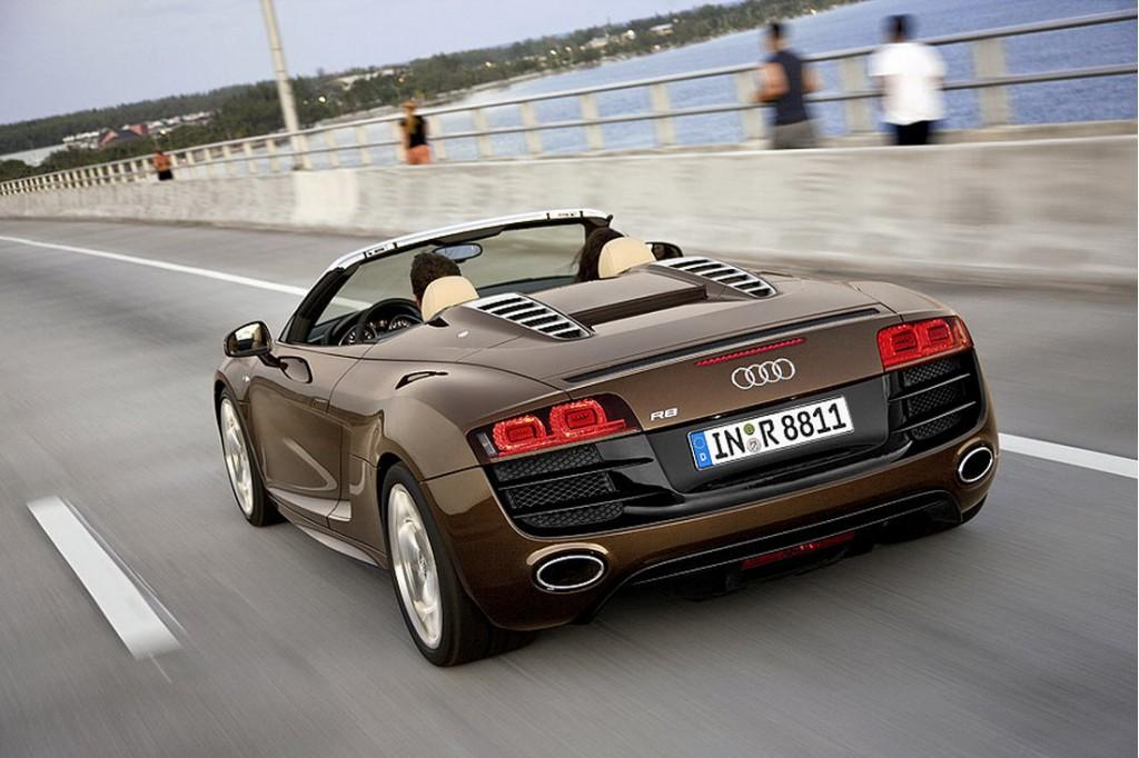 2010 Audi R8 Spyder leak
