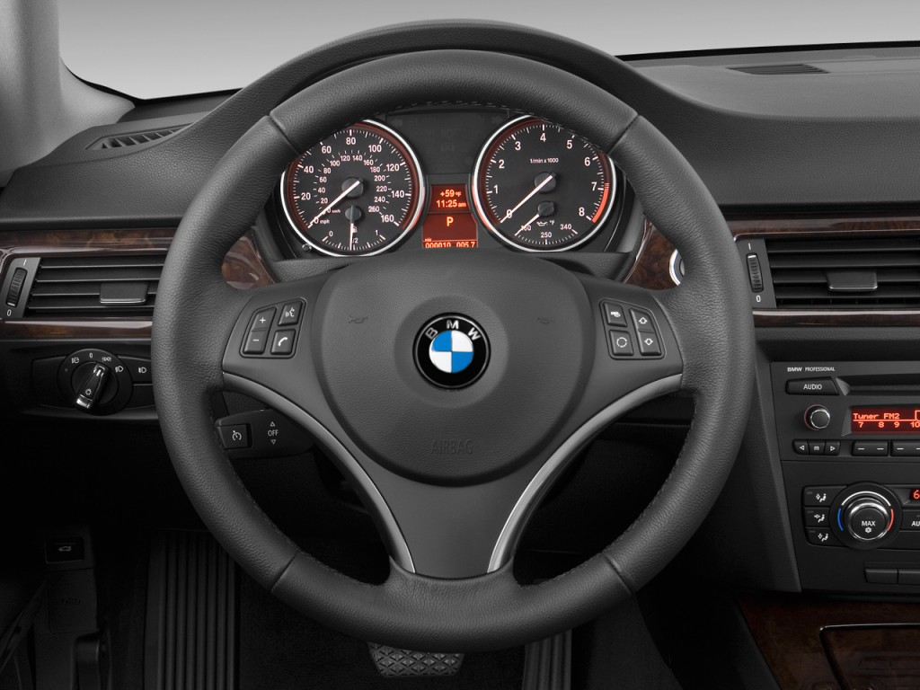 Image: 2010 BMW 3-Series 2-door Coupe 335i RWD Steering ...