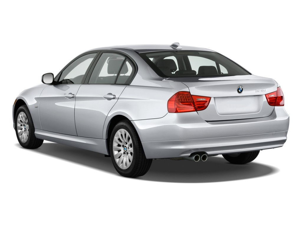 2010 BMW 3-Series 4-door Sedan 328i RWD Angular Rear Exterior View