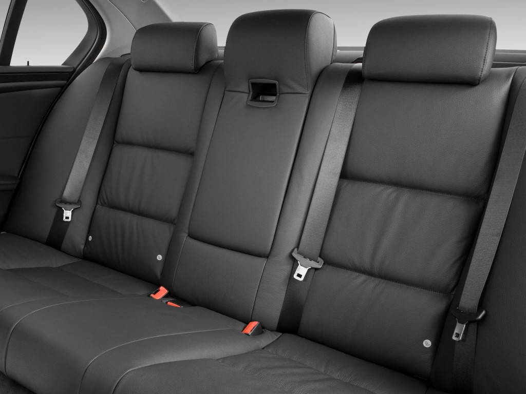 Image: 2010 BMW 5-Series 4-door Sedan 528i RWD Rear Seats ...