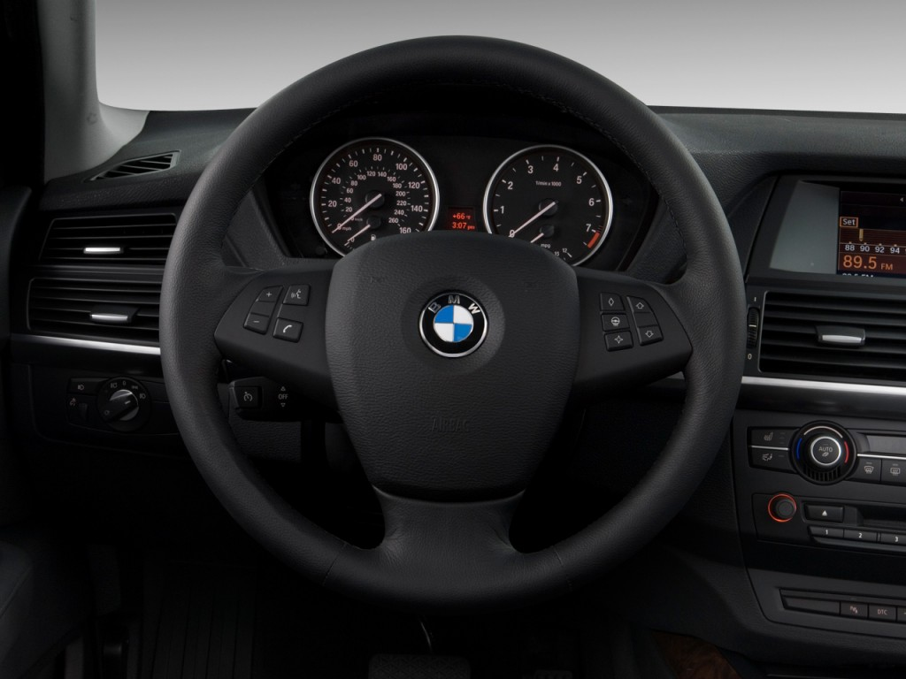Image: 2010 BMW X5 AWD 4-door 30i Steering Wheel, size ...