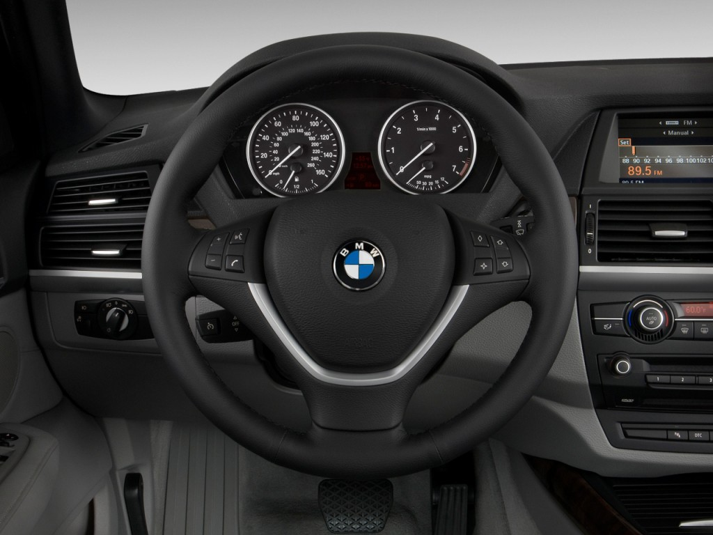 Image 2010 Bmw X5 Awd 4 Door 48i Steering Wheel Size