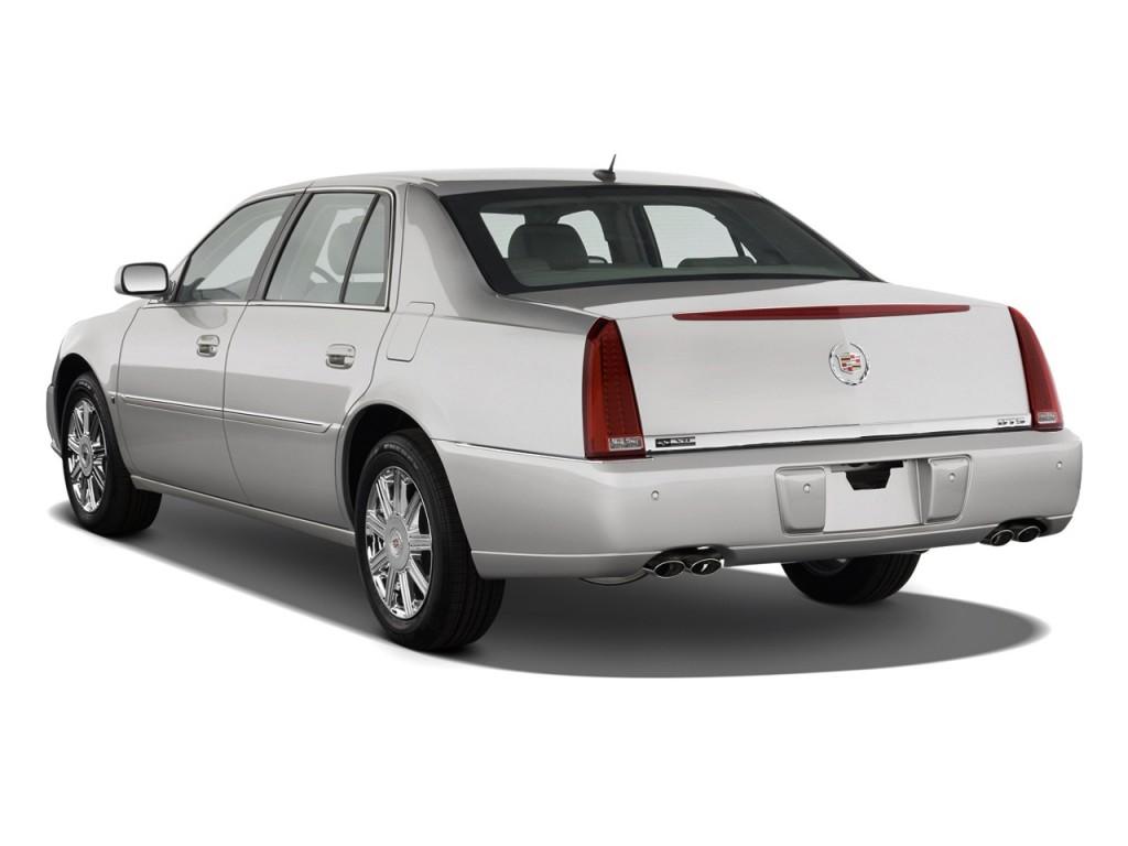 2010 Cadillac DTS 4-door Sedan w/1SA Angular Rear Exterior View