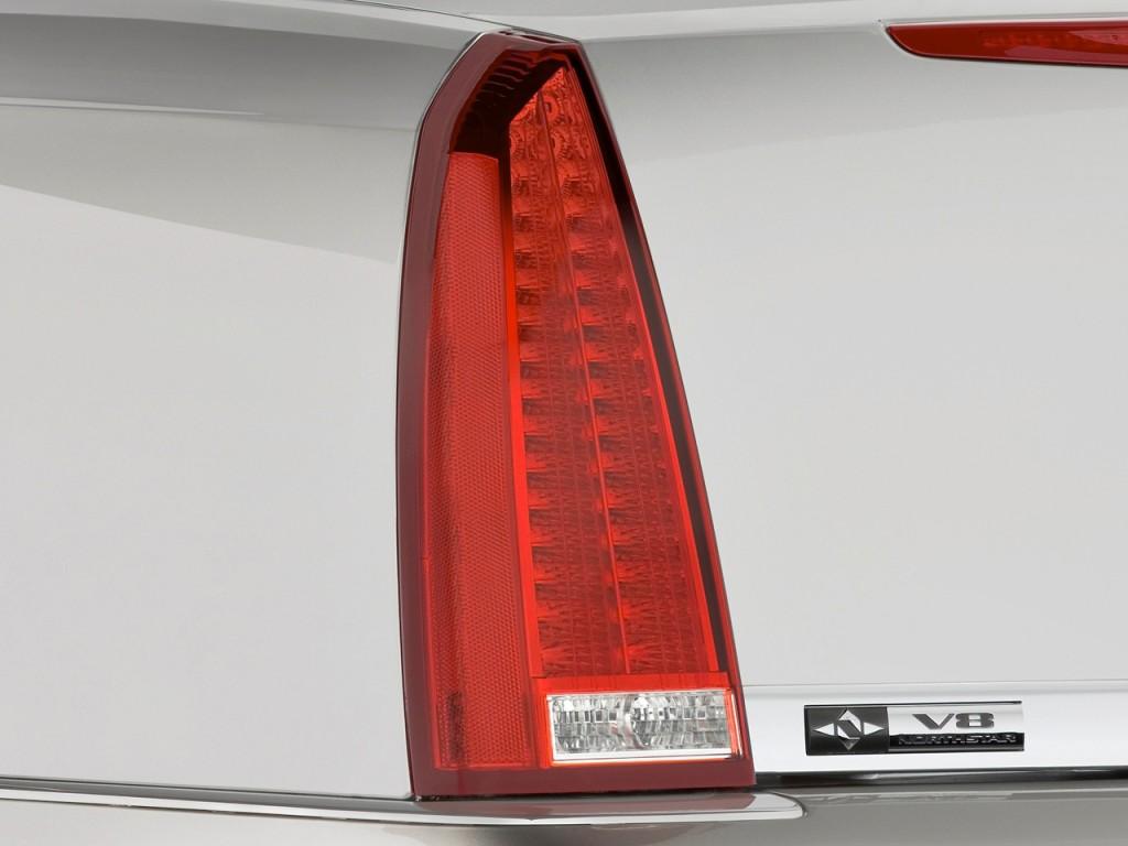 Image 2010 Cadillac Dts 4 Door Sedan W 1sa Tail Light