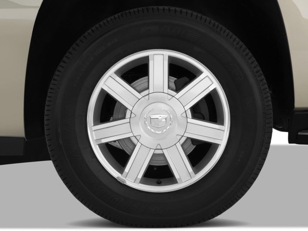 Image: 2010 Cadillac Escalade AWD 4-door Base Wheel Cap ...