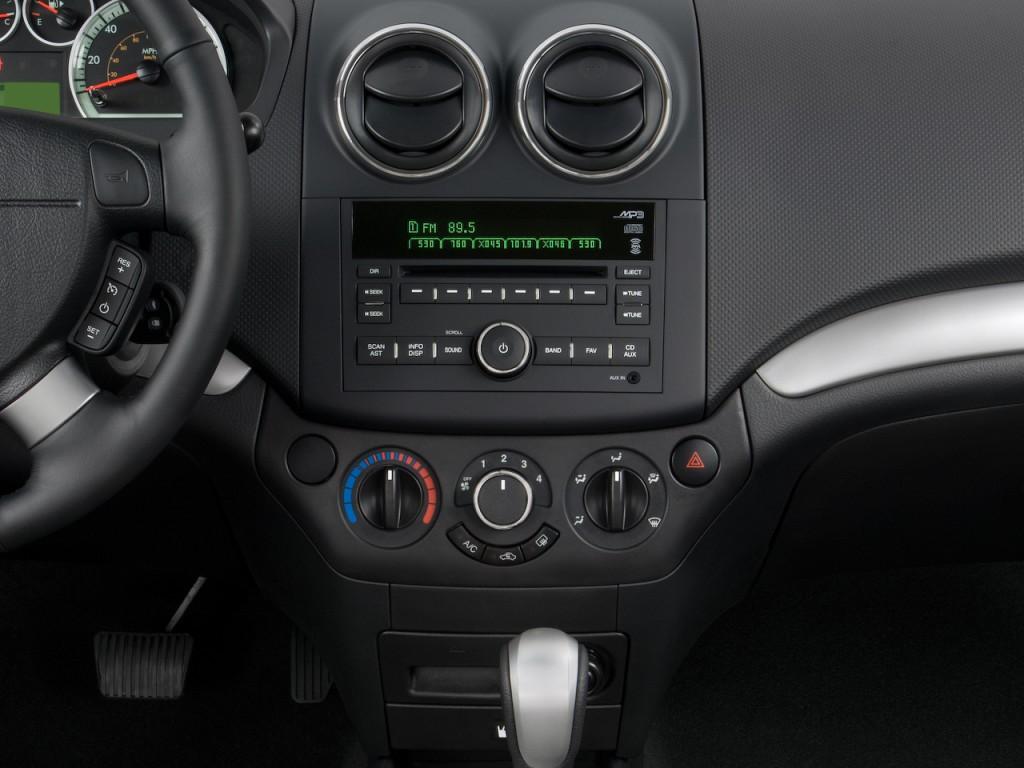 Chevrolet Aveo Door Sedan Lt W Lt Instrument Panel L