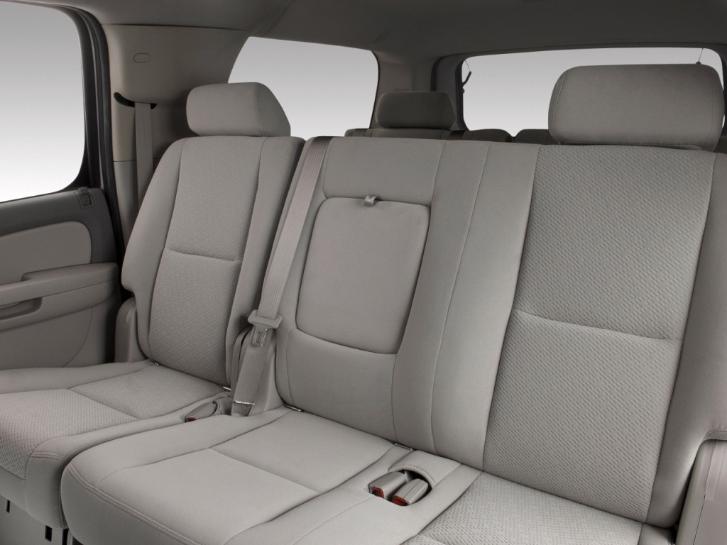 2010 Chevy Suburban Interior Photos