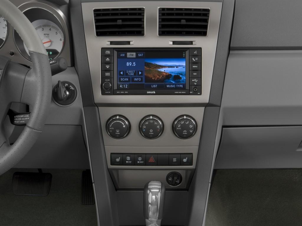 2010 dodge avenger 4 door sedan r t instrument panel