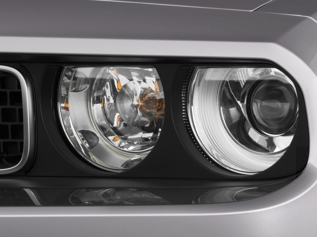 Image 2010 Dodge Challenger 2 Door Coupe R T Headlight