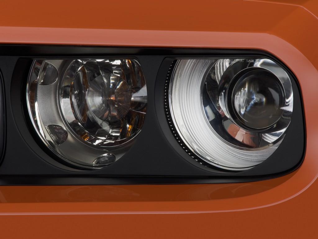 Image 2010 Dodge Challenger 2 Door Coupe Srt8 Headlight