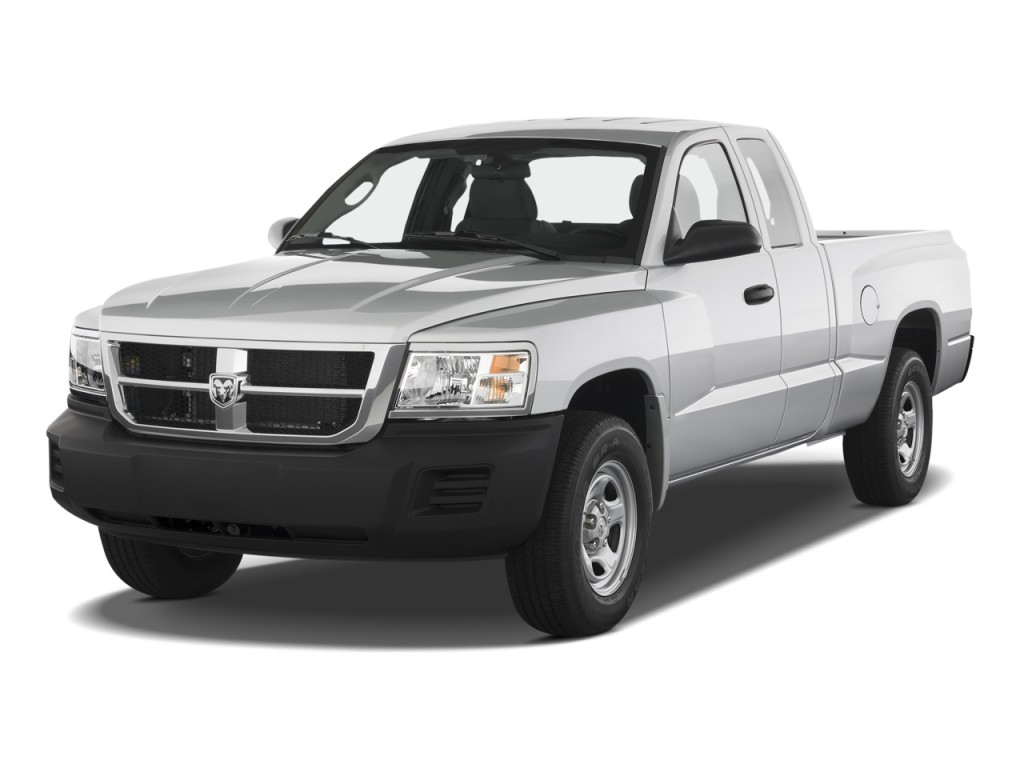 2010 Dodge Dakota 2WD Ext Cab ST Angular Front Exterior View
