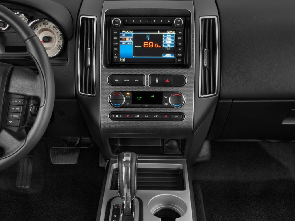 Image 2010 Ford Edge 4 Door Sport Fwd Instrument Panel