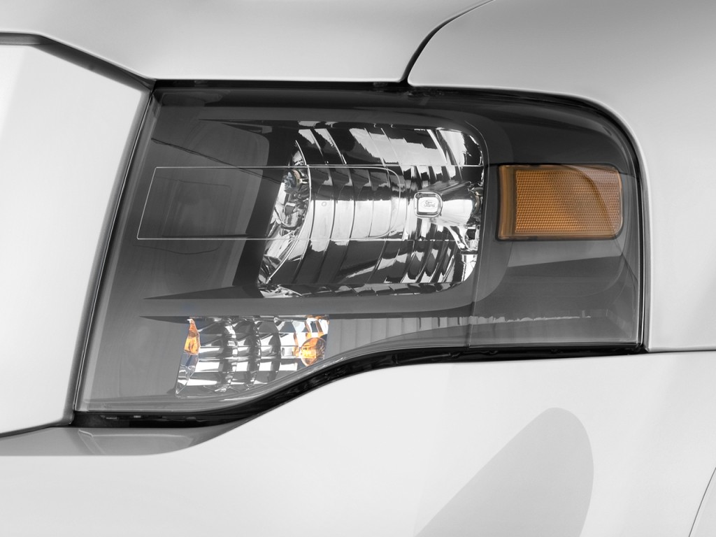 2010 ford expedition 2wd 4 door limited headlight