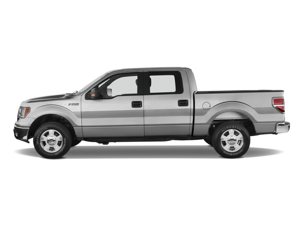 "2010 Ford F-150 2WD SuperCrew 145"" XLT Side Exterior View"