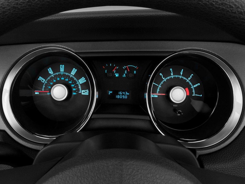 2010 ford mustang 2 door convertible instrument cluster_100248421_l image 2010 ford mustang 2 door convertible instrument cluster 2005 ford mustang instrument cluster wiring diagram at readyjetset.co