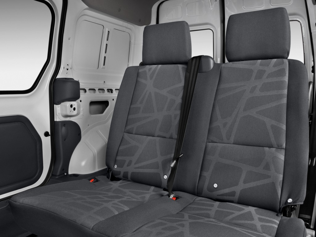 Image 2010 Ford Transit Connect Wagon 4 Door Wagon Xl