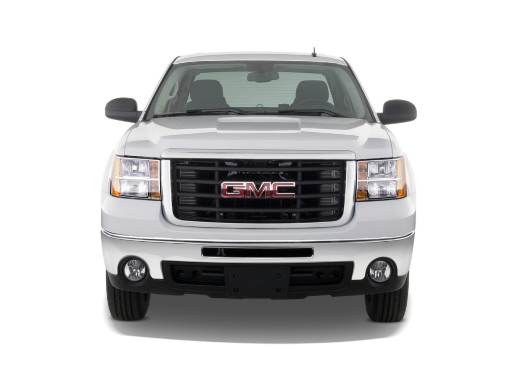 """2010 GMC Sierra 2500HD 2WD Crew Cab 153"""" SLE Front Exterior View"""