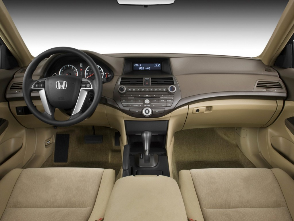 image 2010 honda accord sedan 4 door i4 auto lx dashboard. Black Bedroom Furniture Sets. Home Design Ideas