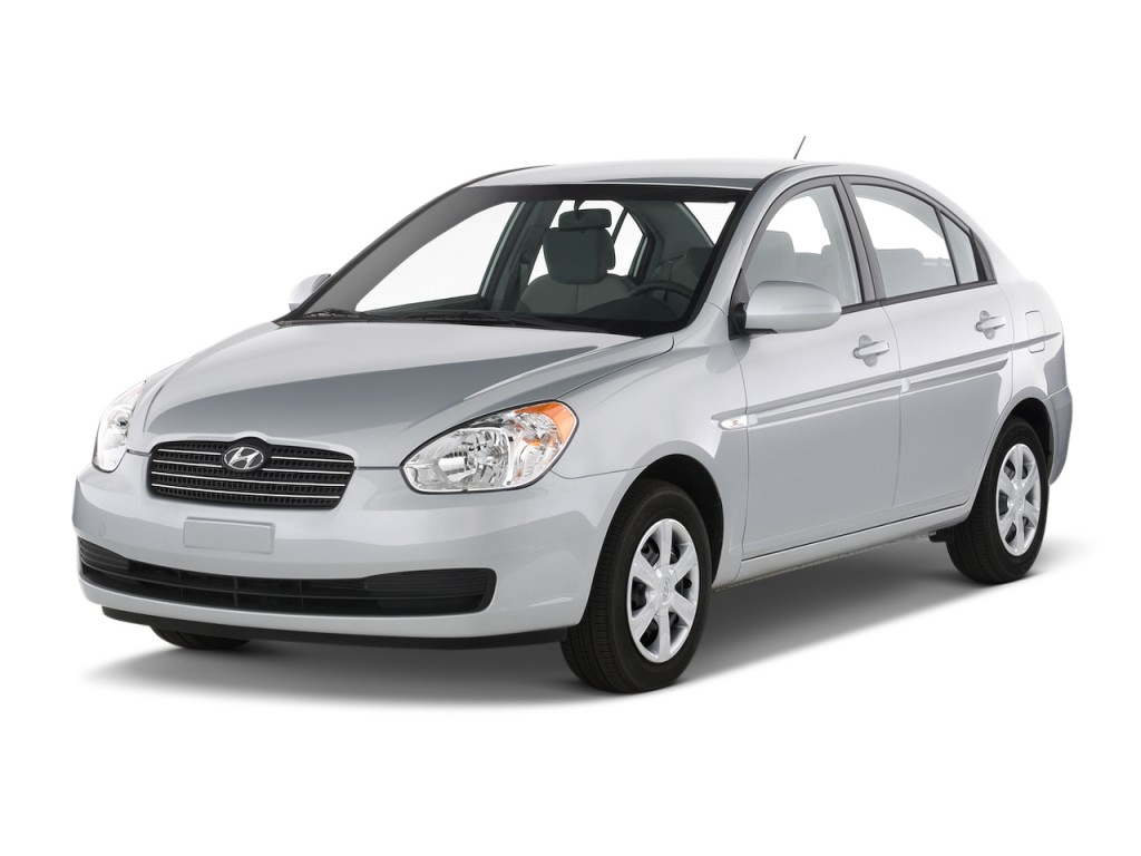 2010 Hyundai Accent 4-door Sedan Auto GLS Angular Front Exterior View
