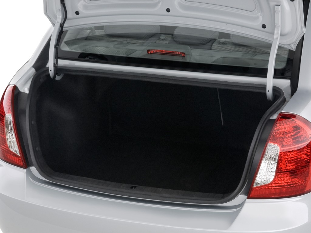 Image: 2010 Hyundai Accent 4-door Sedan Auto GLS Trunk ...