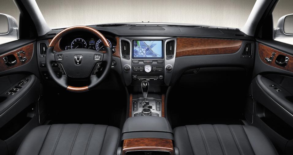 2010 Hyundai Equus Interior 003