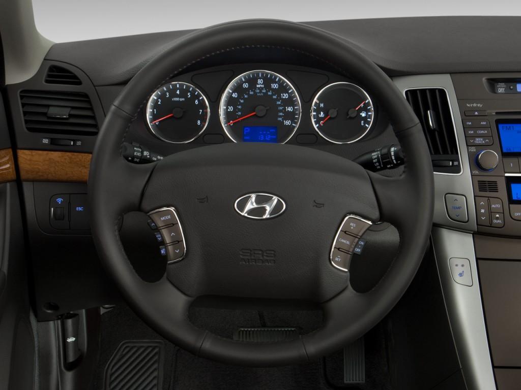 image 2010 hyundai sonata 4 door sedan i4 auto limited steering wheel size 1024 x 768 type. Black Bedroom Furniture Sets. Home Design Ideas