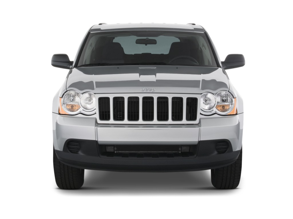 2010 Jeep Grand Cherokee RWD 4-door Laredo Front Exterior View