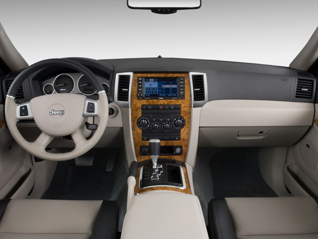 image: 2010 jeep grand cherokee rwd 4-door limited dashboard, size