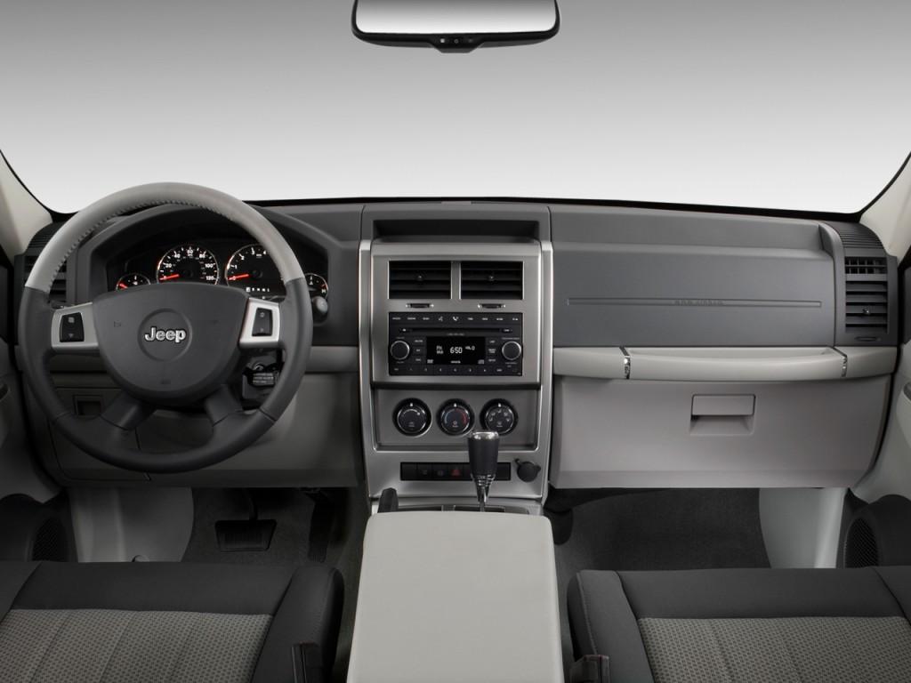 Image 2010 Jeep Liberty Rwd 4 Door Limited Dashboard