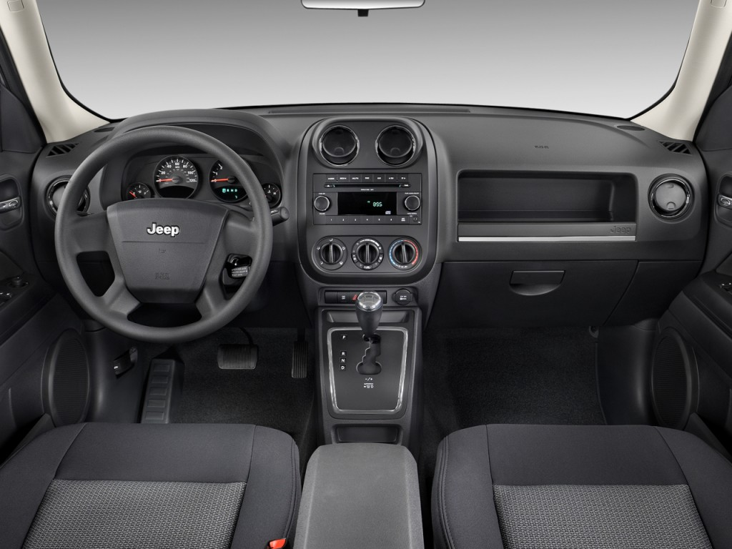 Image: 2010 Jeep Patriot FWD 4-door Sport Dashboard, size ...