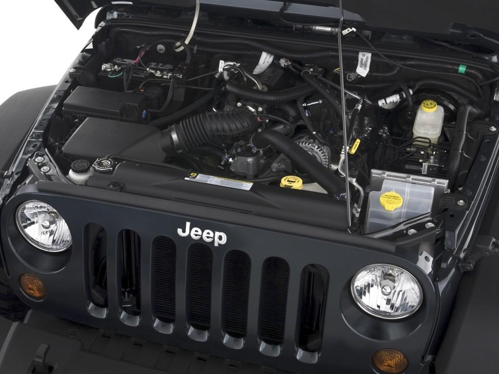 2010 Jeep Wrangler 4WD 2-door Rubicon Engine