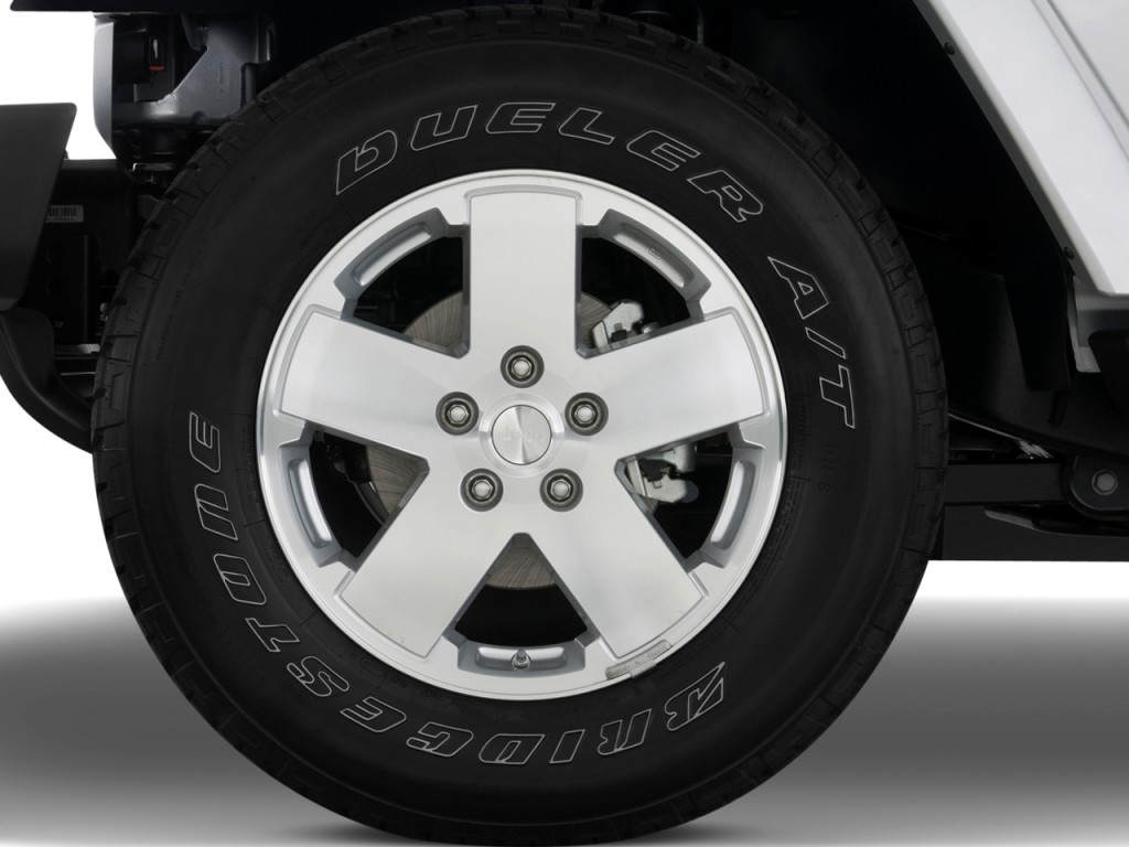 Image: 2010 Jeep Wrangler 4WD 2-door Sahara Wheel Cap ...