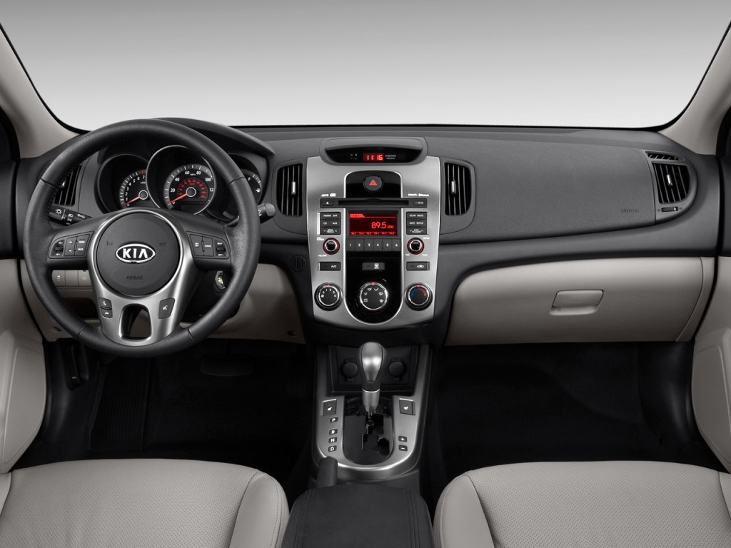 Image: 2010 Kia Forte 4-door Sedan Auto EX Dashboard, size ...