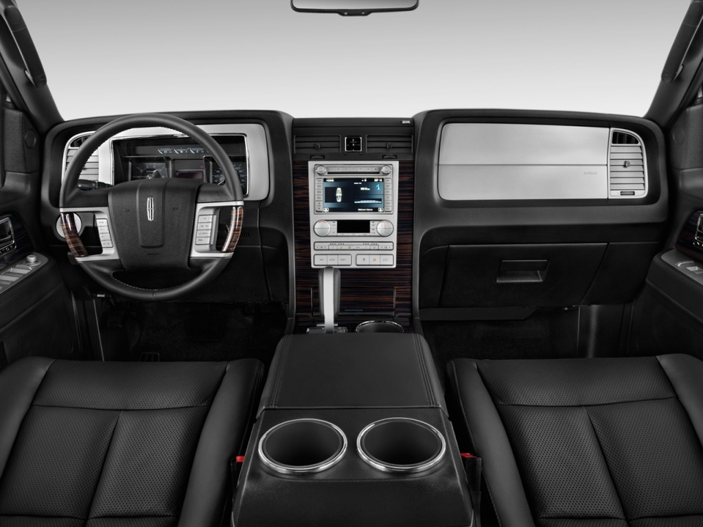 cars base navigator lincoln overview cargurus pic