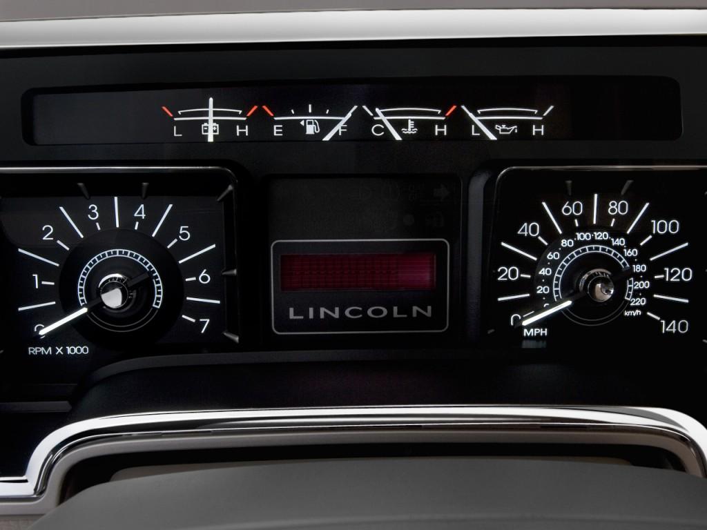 Image 2010 Lincoln Navigator L 4wd 4 Door Instrument