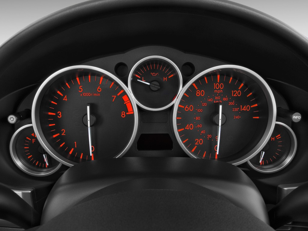 Image: 2010 Mazda MX-5 Miata 2-door Convertible PRHT Man ...